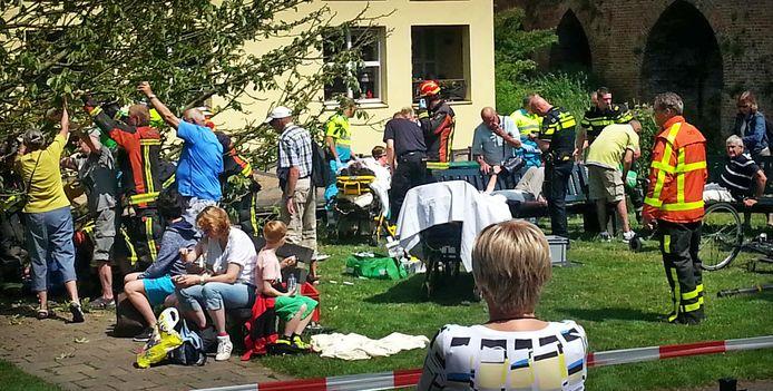 Een groep toeristen raakte in 2015 bekneld onder een grote tak die bij de opstapplaats van de Fluisterboten in Zutphen uit een boom viel.