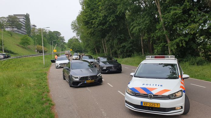 Stoet Mercedessen staande gehouden in NIjmegen.