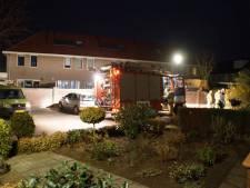 Buren waarschuwen vrouw voor brand bij voordeur