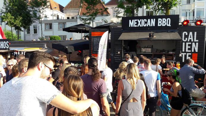 Ook bij de Mexican BBQ is het druk.