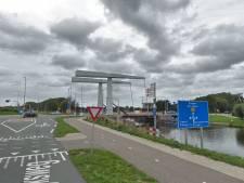 Noordhollands Kanaal bij Schoorl afgesloten vanwege gezonken maaimachine