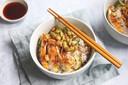 Sushi bowl met krokante kip