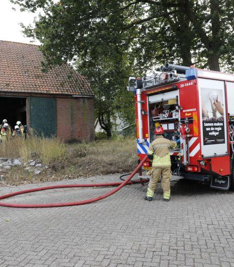 Brand in leegstaande boerderij in Hoogerheide snel onder controle