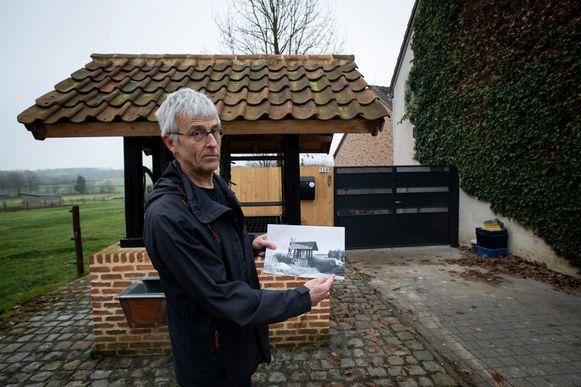 Buurtwegactivist Marc Van Damme in Aarschot voor één van de afgesloten buurtwegen in Aarschot.