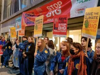 """Studentenvereniging van PVDA blokkeert ingang van  VBO tijdens klimaatactie: """"Regering moet zijn pijlen richten op multinationals"""""""