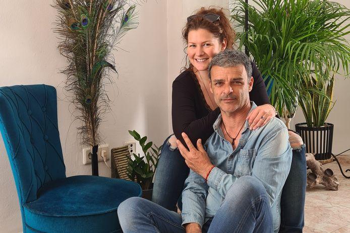 Chris Vleeschouwers en haar Spaanse vriend.