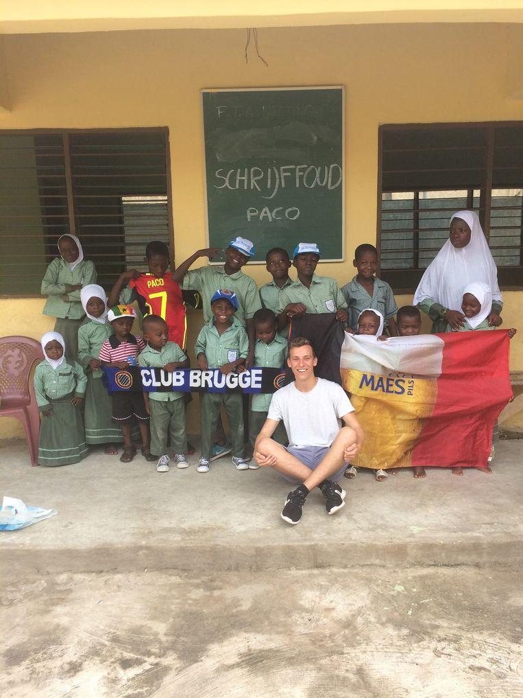Mol Lennart Driesen reisde enkele jaren geleden naar Ghana, om er als vrijwilliger aan de slag te gaan in een schooltje. Beeld RV