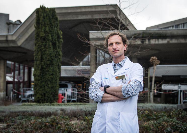 Professor Thomas Vanassche, specialist bloedings- en vaatziekten aan UZ Leuven. Beeld Joel Hoylaerts / Photo News