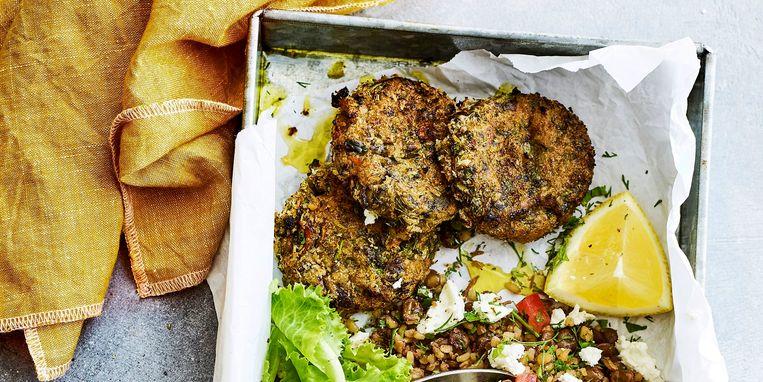 recept-aubergine-kikkererwtenburgers-met-lauwwarme-linzensalade.jpg