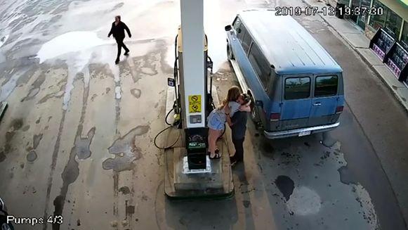 Chynna en Lucas werden op zaterdag 13 juli nog gezien in een benzinestation terwijl ze tankten. De politie verspreidde beelden van de bewakingscamera in de hoop meer te weten te komen over hun dood.
