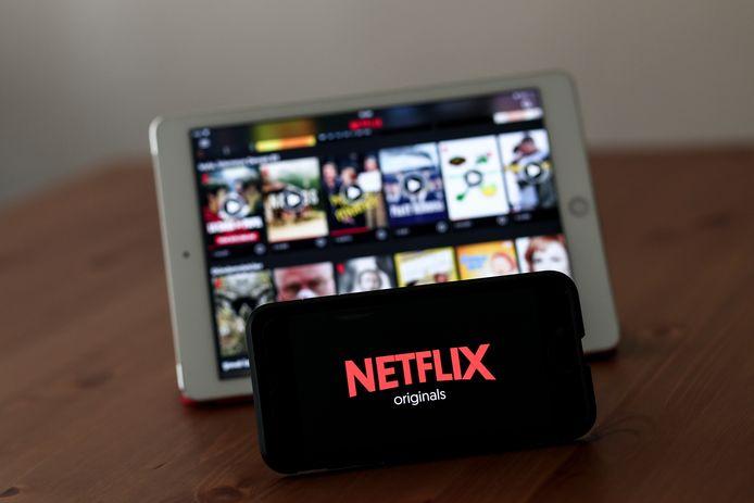 Netflix biedt de mogelijkheid series en films versneld of juist in langzaam tempo af te spelen voorlopig niet aan. De streamingservice testte deze mogelijkheid afgelopen week, wat het bedrijf op een hoop commentaar uit Hollywood kwam te staan.