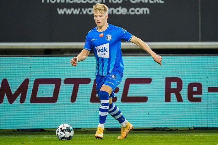 Andreas Hanche-Olsen in actie tegen Cercle Brugge.