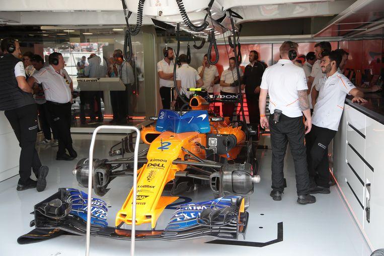 Onze f1 watcher ziet weer merkwaardig tafereel bij mclaren for Garage formule m
