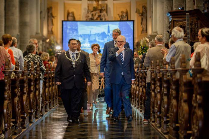 Pieter van Vollenhoven bij de officiële opening van Open Monumentendag in de St. Martinuskerk. Open Monumentendag vindt ieder jaar plaats om Nederlands cultureel erfgoed toegankelijk te maken en de publieke belangstelling en het draagvlak voor het behoud van monumenten te vergroten.