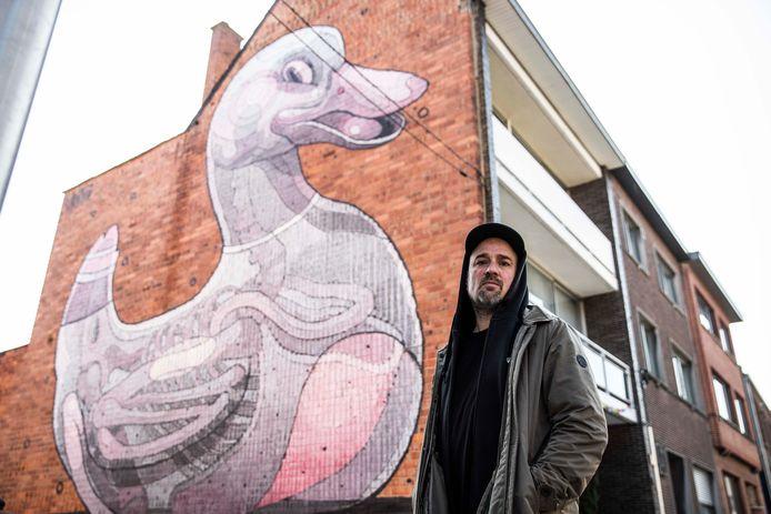 Kurt Bosmans van Street Art Festival is onze gids langs 8 street art pareltjes in Hasselt.