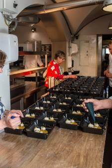 Verrassing voor de ouderen van 't Broaipanneke: een heuse sterrenmaaltijd thuis