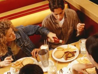 Uit eten gaan jaagt uw bloeddruk de hoogte in