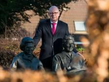 Rhedens burgemeester Van Eert zoekt gezelschap voor Democratiefestival