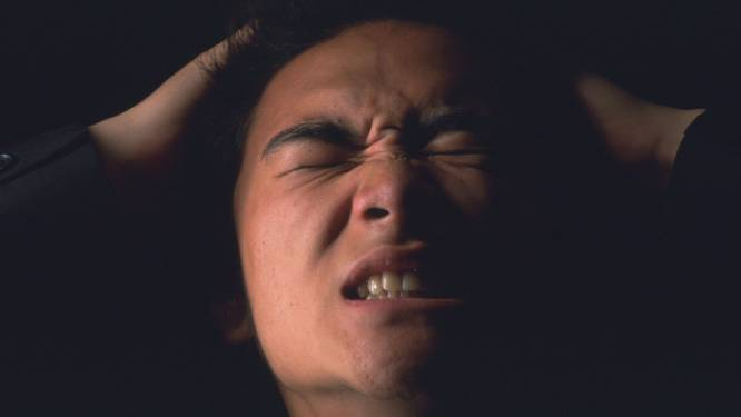 Vrouw snijdt tweemaal (!) lid van overspelige man af