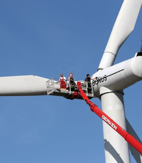 Beslissing over windmolens bij Haringvlietdam uitgesteld: 'Eerst vertrouwen bewoners herstellen'