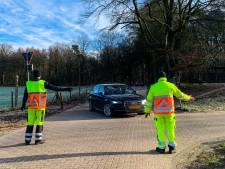 Natuurgebied Posbank bij Rheden afgesloten wegens drukte, verkeersregelaars ingezet