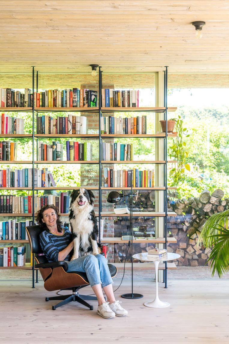 Mieke Berendsen: 'Zo'n open huis laat weinig ruimte voor privacy. Ideaal voor ons als koppel, maar niet praktisch met pubers die behoefte hebben aan een eigen plekje.' Beeld Luc Roymans