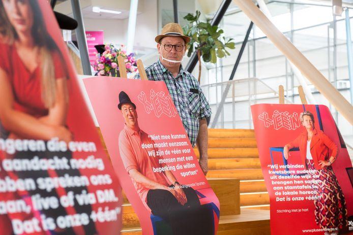 De aftrap in Breda (in de Nieuwe Veste) van de campagne +ÉÉN tegen eenzaamheid. De rolmodellen onthulden hun eigen poster, straks te zien op straat.