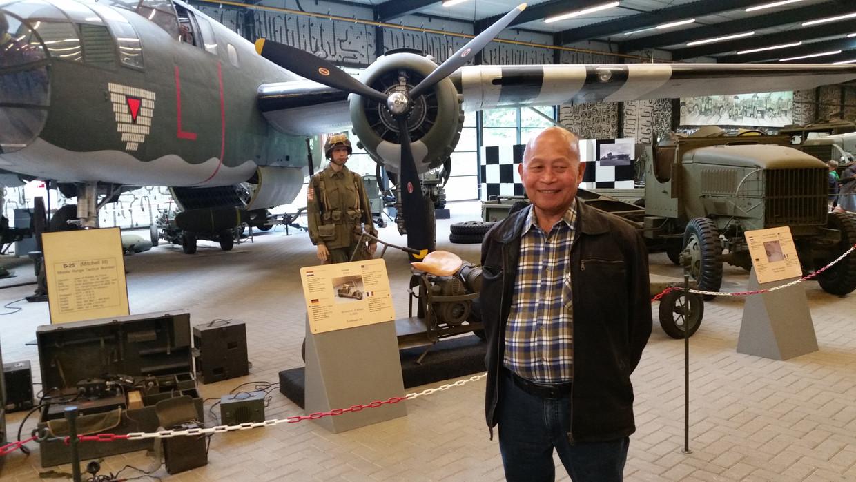 Rob Sangidi in het Oorlogsmuseum in Overloon.