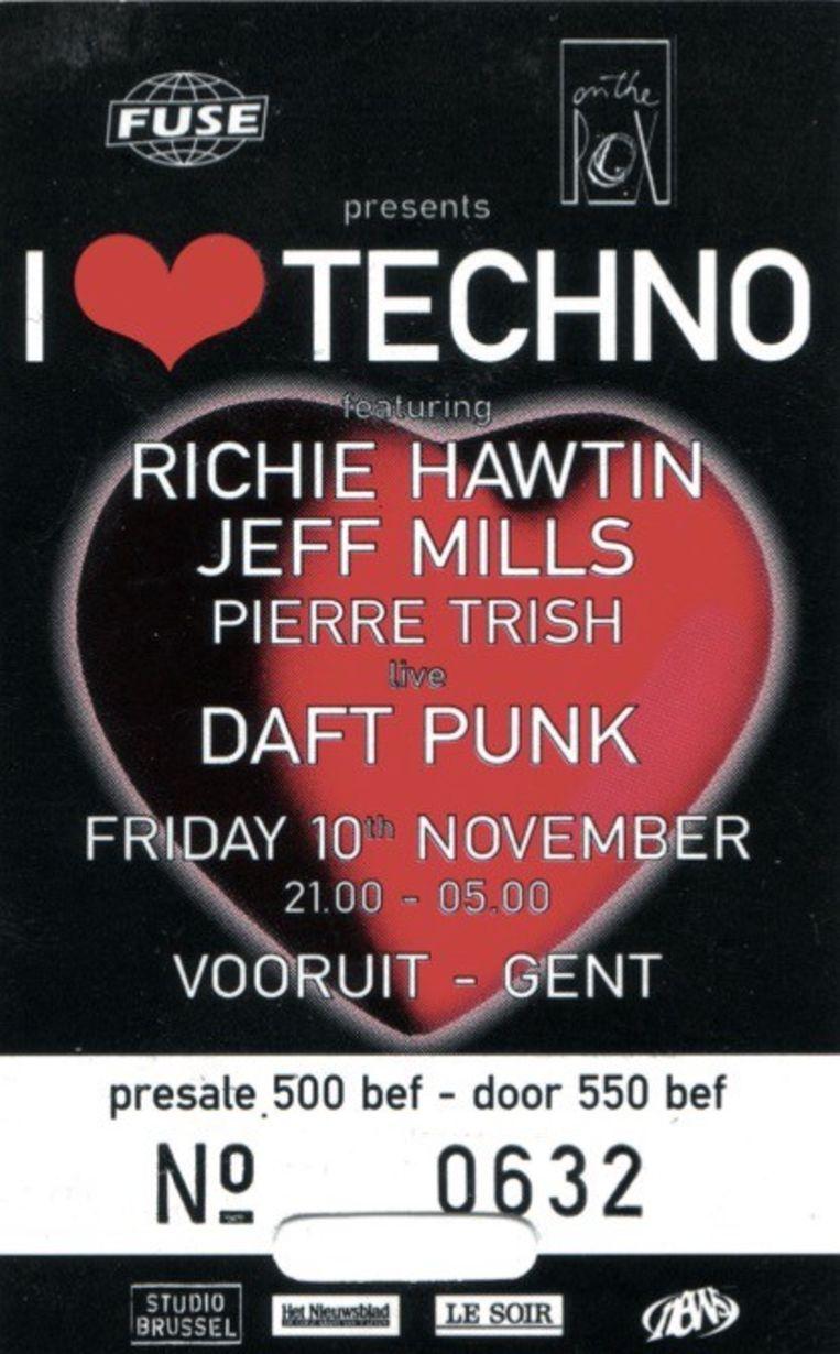 i love techno Beeld Humo