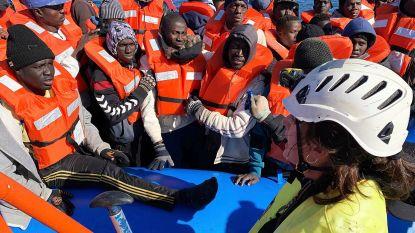 """""""Italiaanse havens blijven gesloten voor migranten"""", herhaalt Salvini nu Nederlands reddingsschip op komst is"""