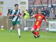 GA Eagles-verdediger Bakker krabbelt weer op na dreun in aanloop naar IJsselderby: 'Ik schrok wel even'