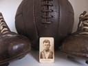 Het voetbalkaartje van Gradus van Putten, voormalig voetballer van Go Ahead. Van Putten maakte deel uit van het team dat landskampioen werd in het seizoen 1921/1922. Als aandenken kreeg de hele selectie een 'kampioenshorloge'.