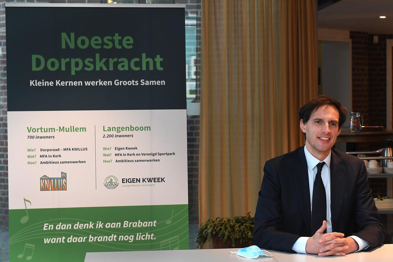 CDA-lijsttrekker Wopke Hoekstra op campagne voor de verkeizingen, recent bezocht hij Vortum-Mullem.   Foto: Ed van Alem
