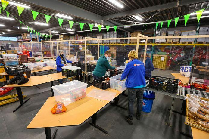 Archieffoto van het magazijn van de Voedselbank Eindhoven, aan de Kanaaldijk-Noord.