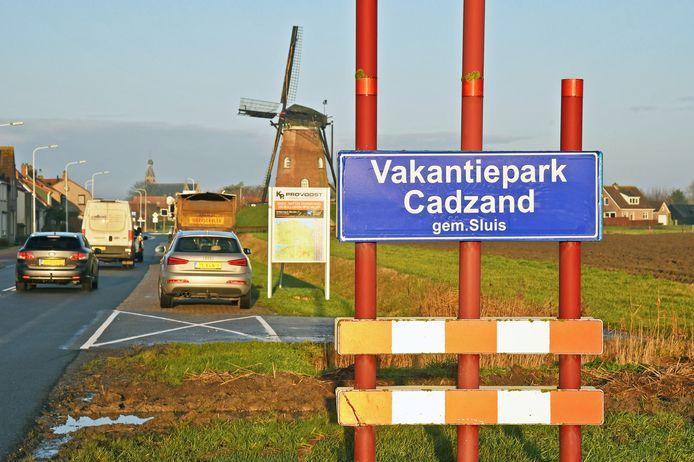 De dorpsraad van Cadzand veranderde in 2019 uit protest het plaatsnaambord.