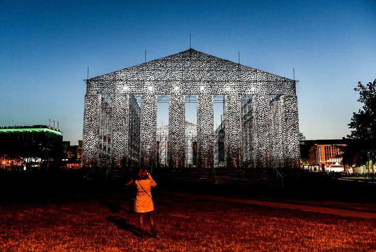 The Parthenon of Books door de Argentijnse kunstenares Marta Minujin  Beeld EPA