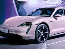 Met 'Barbie-auto' wil Porsche vrouwelijke kopers binnenhengelen