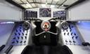 De cockpit van de raket op wielen