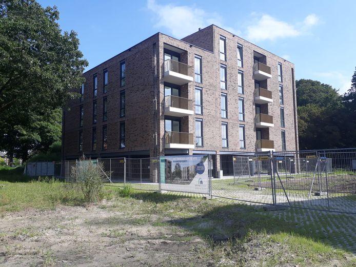 Eén van de twee nieuwe appartementencomplexen van Omnia Wonen aan de Bisschopsweg in Amersfoort.