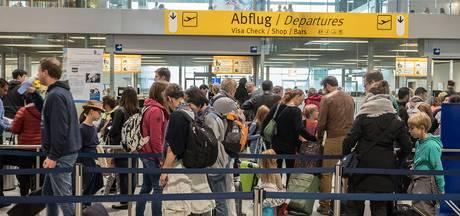 Topdrukte op airport Weeze