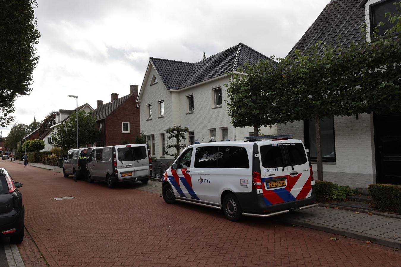 De straat in Veldhoven waar Berry S. vroeg in de ochtend mee werd genomen.