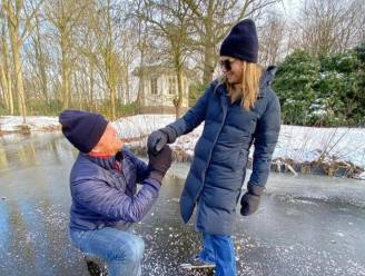 Koning Willem-Alexander gaat na 20 jaar opnieuw op de knieën voor zijn Máxima