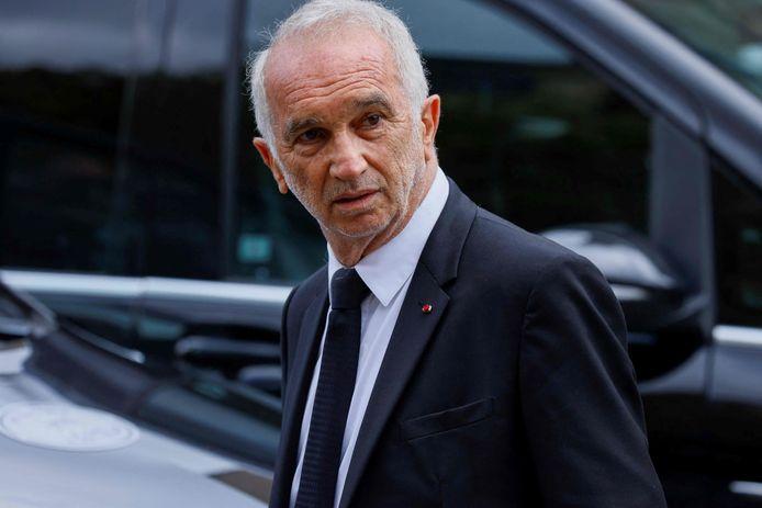 Een foto van de Franse filmregisseur Alain Terzian, vlak na het einde van de ceremonie.