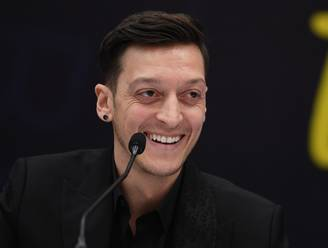 Özil zal nooit meer voetballen voor Duitsland én in Bundesliga: 'Ik wens ze alle succes'