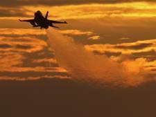 Volkelse F16's laten sponningen rinkelen en theekopjes trillen in Eindhoven