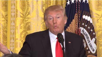 """""""Lekken zijn echt, het nieuws is nep"""": 'hoogtepunten' uit Trumps persconferentie"""