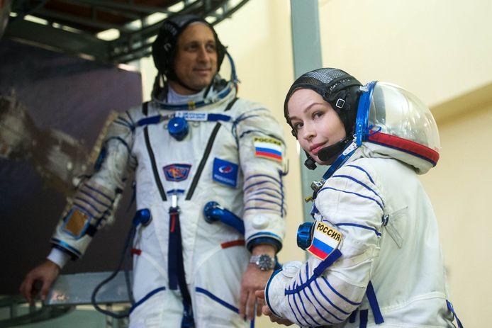 Actrice Julia Peresild en kosmonaut Anton Shkaplerov