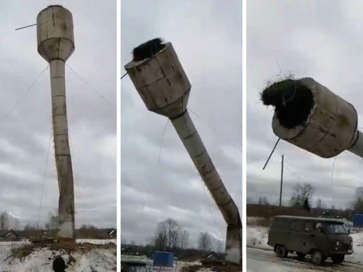 Une tour en démolition s'écrase sur la camionnette des ouvriers