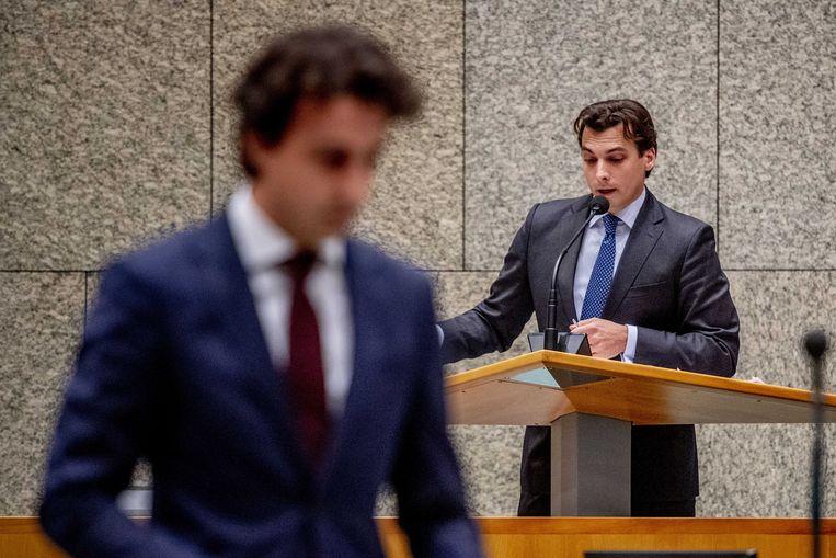 Jesse Klaver en Thierry Baudet donderdagavond tijdens een debat in de Tweede Kamer over de doorrekening door het PBL en het CPB van het Klimaatakkoord.  Beeld ANP