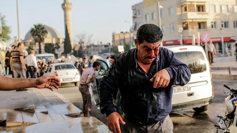 Aanslagen in gebieden die niet betwist worden door IS, zoals deze in de Turkse stad Kilis op 24 april, zullen alleen maar toenemen in aantal naarmate het grondgebied van de terreurgroep slinkt. Hoe zwakker IS militair gezien staat, hoe groter de kans op afsplitsing en op onafhankelijk handelende, kleinere afdelingen. Beeld AFP